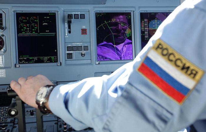 Русский самолет-разведчик начас закрыл парижский аэропорт Шарль-де-Голль