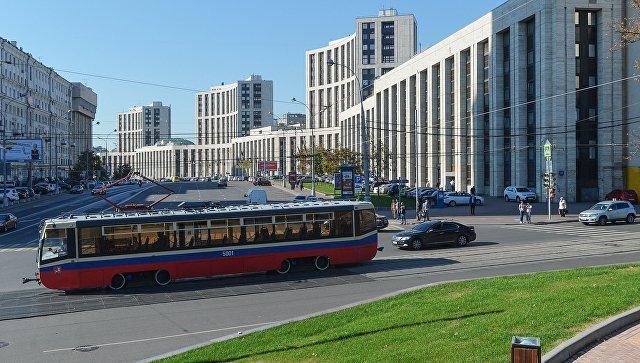 Навостоке столицы неизвестные наавтомобиле обстреляли трамвай