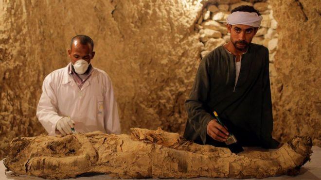 ВЛуксоре археологи обнаружили две гробницы времен старинного Египта