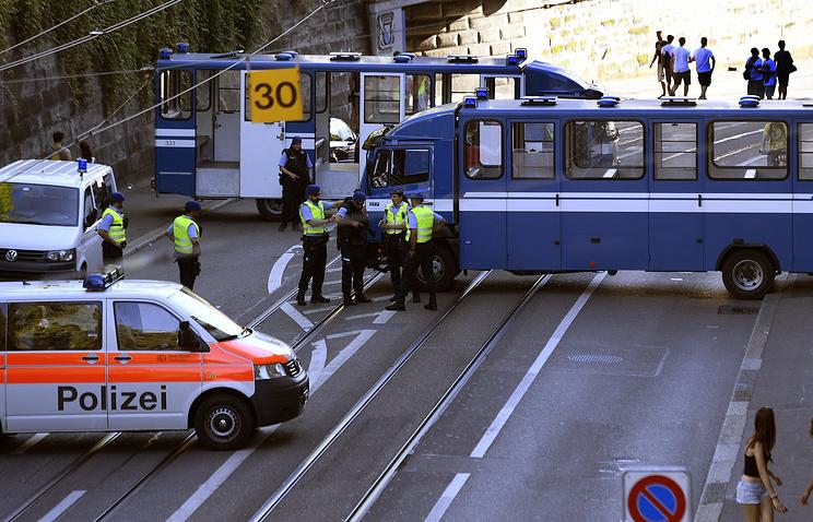 В итоге нападения напассажиров поезда вШвейцарии ранены семь человек