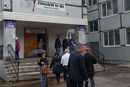 Полицейский расстрелял нарушителя уизбирательного участка вТольятти