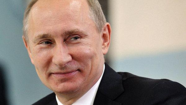 Политика: Прощай школа: Владимир Путин поздравил выпускников с началом «новой» жизни