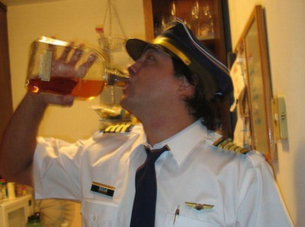 Картинки по запросу пьяный летчик