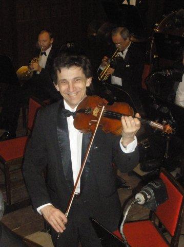 Скрипач разбился насмерть, упав со сцены в Большом театре