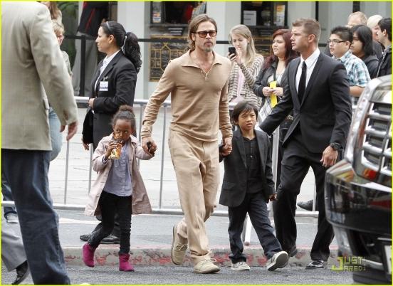Чужих детей не бывает: Анджелина Джоли и Брэд Питт