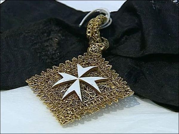 Картинки по запросу кинжал веры ти мальтийская корона
