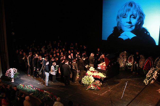 фото похорон марины голуб в гробу