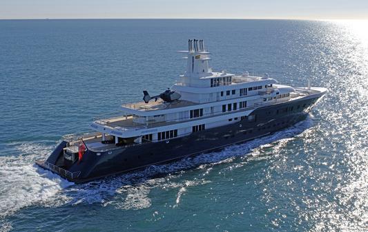 В водах близ острова Косумель плавать не безопасно. Как экипаж яхты Ice Сулеймана Керимова спасал утопающих