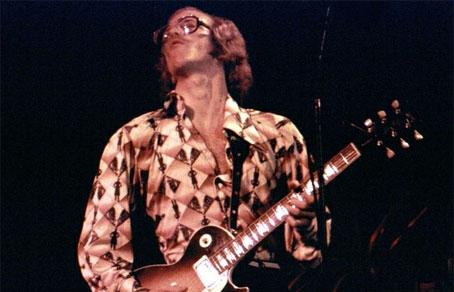 Гитарист группы Fleetwood Mac Боб Уэлч покончил с собой в возрасте 65 лет